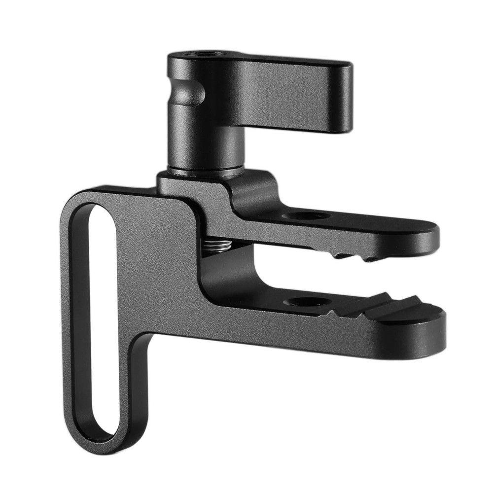 SmallRig-1679-Sony-A7III-A7RIII-Cage-USB-HDMI-Cable-Clamp-klamra-przewód.jpeg