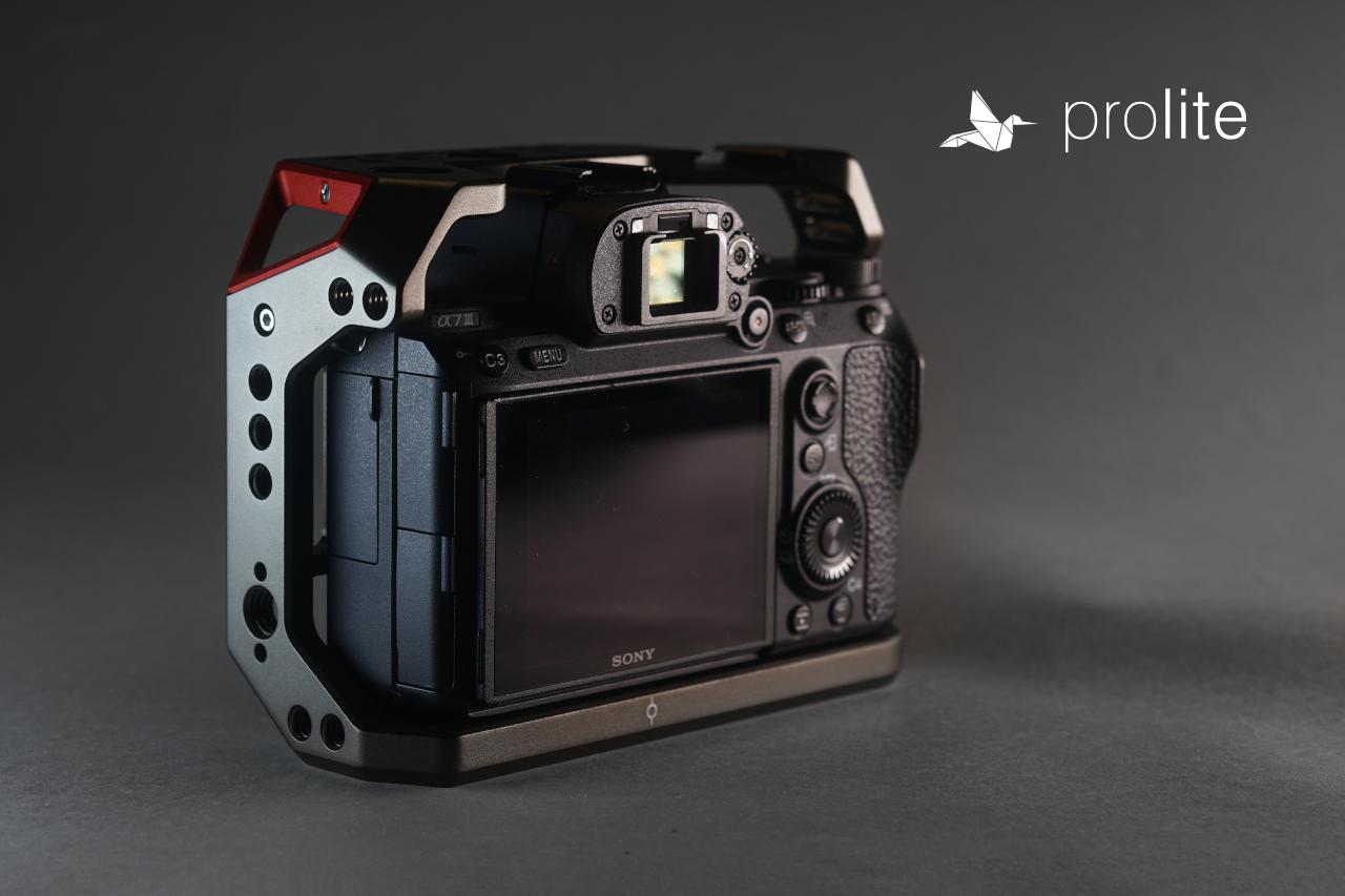 SmallRig-2645-2640-03-Sony-A7III-Cage-Handle-Set