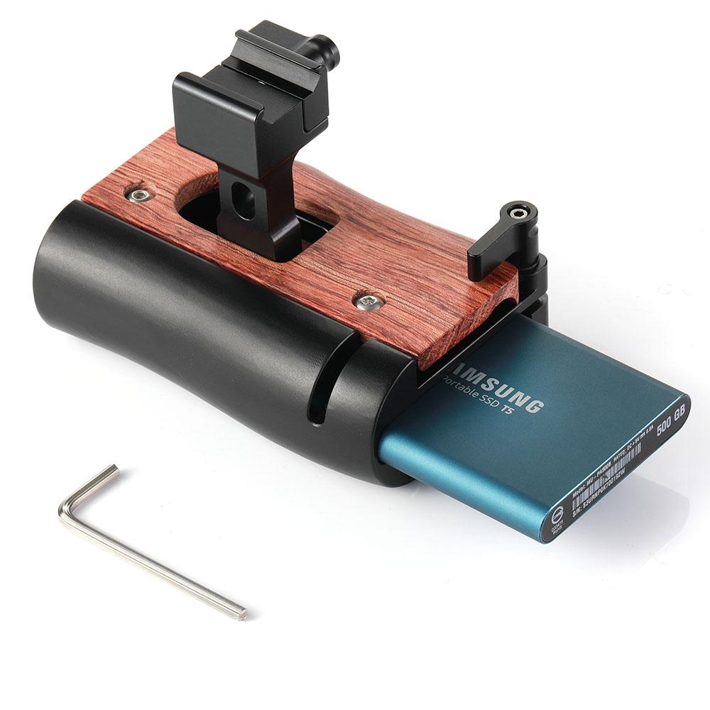 SmallRig-HSN2270-02-NATO-Handle-Samsung-T5-SSD-r%C4%85czka-z-miejscem-na-dysk.jpg